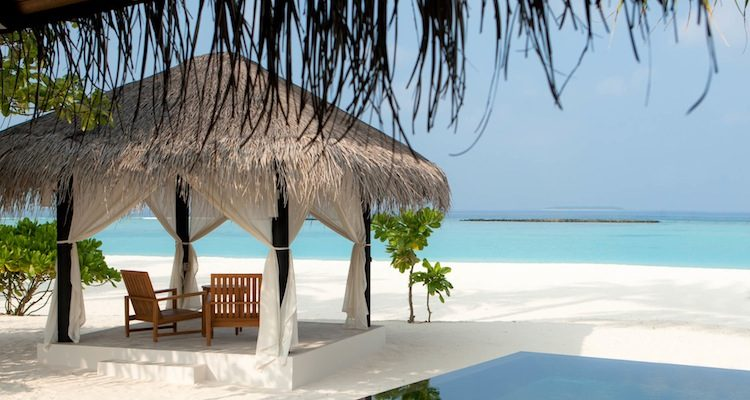 Deluxe-Beach-Villa-With-Pool