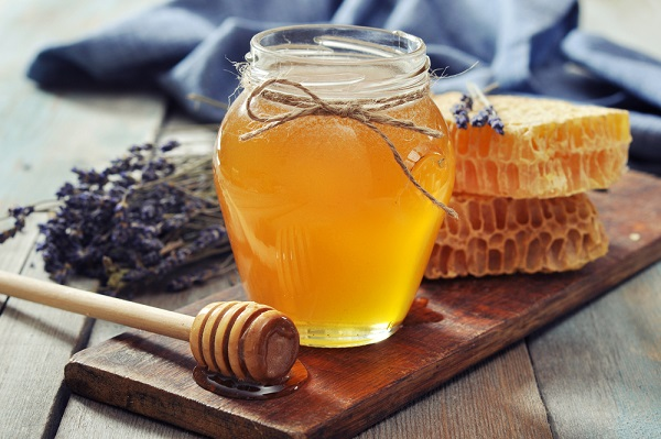 8 DIY Honey Masks that work magic on your skin