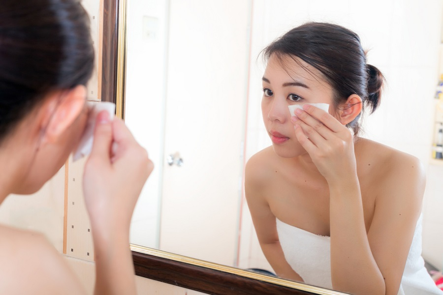 Best Makeup Removers to Use After a Long Work Day - Beauty Insider