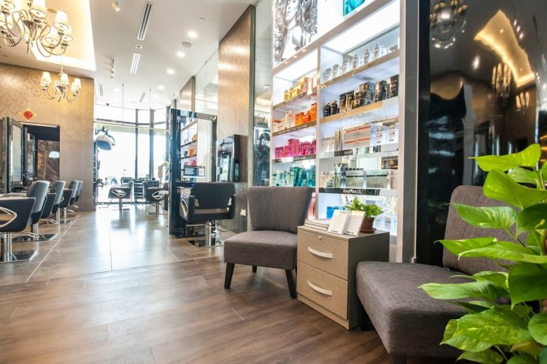 This Salon Uses Hair Care Products that Won't Damage Your Scalp