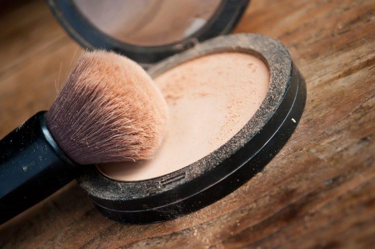 Powder Foundation 2018, best powder foundation for dry skin, best powder foundation for oily skin