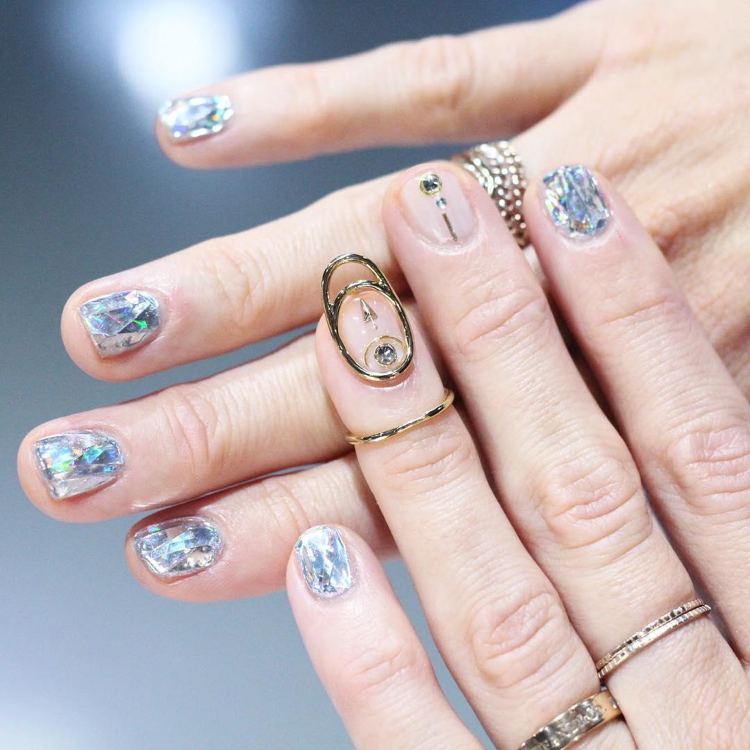 nail jewellery
