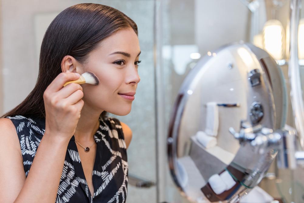 natural way to use contour makeup products