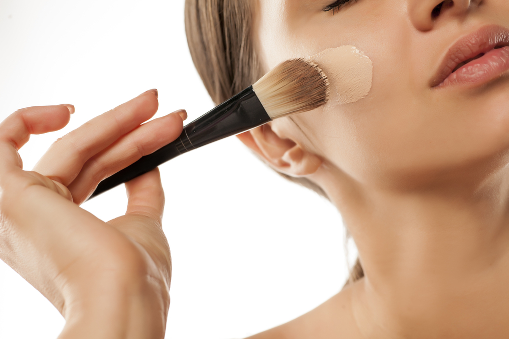 best way to apply foundation with brush